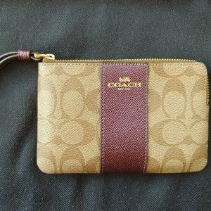 💥NEW💥 w gift box Coach wristlet